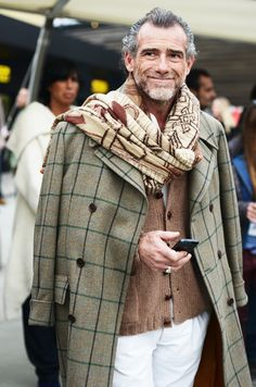 i wish more men jaunted about looking like this... perfect layers and print combos.