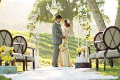 Casamento ao ar livre: conheça as vantagens de se casar à luz do dia Olá, noivinhas! Tudo bem?! Este post foi feito especialmente para mostrar a vocês as vantagens do casamento ao ar livre.  Este tipo de casamento, ...