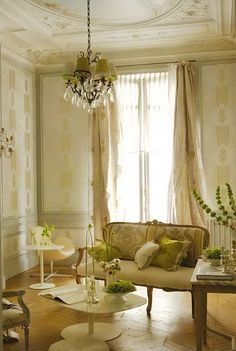 And high ceilings.  I love high ceilings! (Of course, you notice the chandelier...)