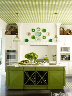 Beautiful Kitchens.  This speaks to me.