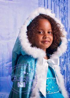 Stunning hooded Elsa cape - frozen