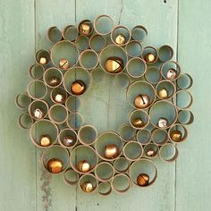 This Simple Evergreen Wreath Hack Is So Genius - Holiday DIY Store-bought wreaths can be costly, but this DIY wreath hack uses cardboard to craft a sturdy, inexpensive wreath base. Cork Christmas Trees, Christmas Candles, Christmas Centerpieces, Christmas Art, Christmas Ornaments, Homemade Christmas Decorations, Easy Christmas Crafts, Simple Christmas, Navidad Diy