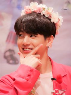 190427 Fan sign event BTS In the ballads where folk melodies combined with words taken from poems were popular. The are the beginning of a new era for K-Pop culture. K-Pop, which has… Continue Reading → Kookie Bts, Jungkook Oppa, Bts Bangtan Boy, Taehyung, Foto Bts, Bts Photo, Jung Kook Bts, Jung Hyun, Busan