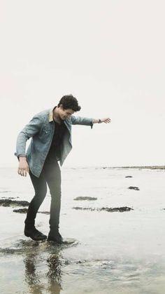 Man walking on the sea ♥
