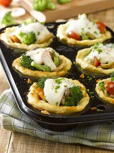 Canastos de puré con verduras Baked Potato, Mashed Potatoes, Sushi, Baking, Ethnic Recipes, Food, Ideas, Al Dente, Salads