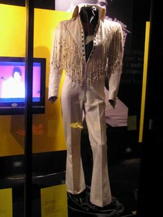 The legendary 1970 fringe suit used by Elvis from august to november 1970,now…