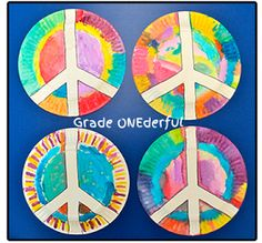 Peace Plate Craft Remembrance Day, something other than a poppy to do for… Remembrance Day Activities, Remembrance Day Art, Yoga For Kids, Art For Kids, Grade 1 Art, Grade 3, Peace Crafts, Arte Elemental, 60s Theme