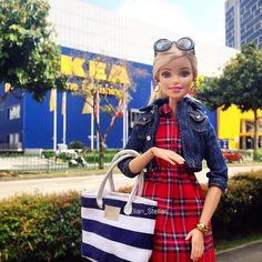 Shopping Spree with Barbie made to move fashion doll | by Elian Stellar