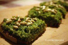 Bruschetta con crema di broccoli e acciughe | Ricetta antipasto