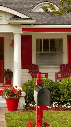 Sweet Berry Cottage ~~ I love my white house with the new red shutters so this one is appealing to me Style Cottage, White Cottage, Cozy Cottage, Red Shutters, Red Geraniums, Porch Decorating, Decorating Ideas, Decor Ideas, Porches