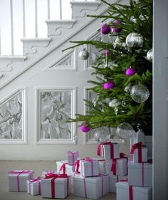 All Wrapped Up | Festive decorating and entertaining ideas that are simple to pull together.