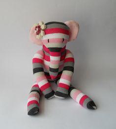peluche elefante sock animales muñeca muñeca por TreacherCreatures