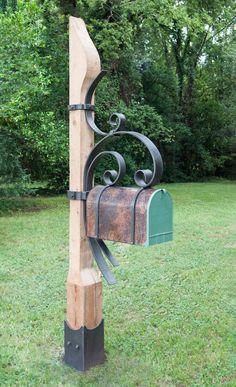 Encouraging arrested metal working ideas Hear her story Metal Projects, Welding Projects, Metal Crafts, Wood Crafts, Diy Projects, Rustic Mailboxes, Unique Mailboxes, Painted Mailboxes, Diy Mailbox