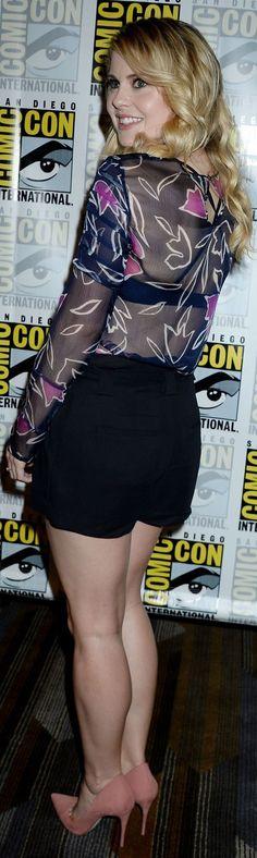 Rose McIver – 'iZombie' Press Line at Comic-Con in San Diego 7-22-2016