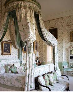 Castle Rooms, Castle Bedroom, Dream Bedroom, Beautiful Bedrooms, Beautiful Interiors, Luxurious Bedrooms, Bedroom Decor, Bedroom Table, Bedroom Interiors