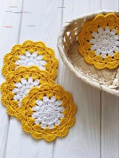Crochet placemats and centerpieces cup coasters by SweethomeByLulu Crochet coffee coasters set. Link in bio for more details 👇 Crochet Placemats, Crochet Doilies, Crochet Coaster, Thread Crochet, Cup Coaster, Coffee Coasters, Table Coasters, Crochet Mouse, Crochet Gifts