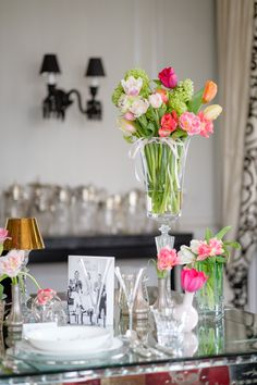 How to create a lovely tableware setting for the perfect ladies lunch. Styling by Ali Rabbani, Photo by Stefan Gergely for Falstaff LIVING. Ladies Lunch, Perfect Woman, Lady, Highlights, Table Decorations, Tableware, Home Decor, Style, Environment