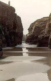 Resultado de imagen de ribadeo playa de las catedrales