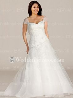 Informal wedding dresses features in organza with exquisite lace appliques, and detachable shoulder straps. Sweetheart neckline, paired with a full A-line skirt, looks so graceful, and a sweep train makes a bridal look