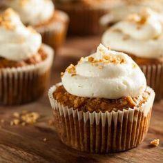 Egy finom Répatorta-muffin sajtkrémmel ebédre vagy vacsorára? Répatorta-muffin sajtkrémmel Receptek a Mindmegette.hu Recept gyűjteményében!