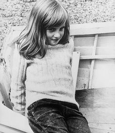 young-diana-spencer-holiday-photo-Princess young-diana-spencer-holiday-photo-Princess