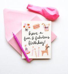 Divertido y fabuloso cumpleaños ilustrado tarjeta de dibujo pasteles velas retro elegante caligrafía letra macarrón piñata floral femenino r...
