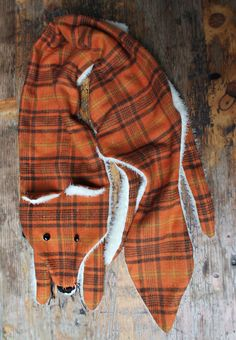 plaid fox scarf DIY | Tumblr. So cute. And no real foxes were hurt. Love that.
