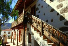 balcon canario Tenerife, Canary Islands, Renting A House, Spanish, Stairs, Windows, Doors, Santa Cruz, Hall Runner