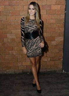 THE BLEND SHOP BRECHÓ! A Blogger Re Uchoa arrasando com o vestido zebra pedraria da marca Laví de BH!! Acabou de chegar um igualzinho no brecho da loja!! Vai lá!! ❤️ De R$ 1.800,00 por R$ 715,00 ❤️ http://www.theblendshop.com.br/the-blend-brecho/vestidos