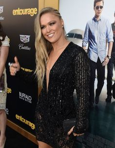 UFC champ Ronda Rousey sizzles in 'Entourage' red-carpet photos gallery Ronda Rousey Pics, Ronda Rousey Hot, Ronda Jean Rousey, Wwe Female Wrestlers, Female Athletes, Muay Thai, Jiu Jitsu, Hottest Female Celebrities, Celebs