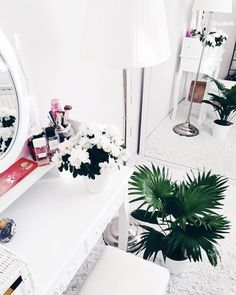 #decor #decoration #interior #design #palm #flowers #simple #mirror #perfume #girly #room #home #white #minimal #minimalism #cosmetics #nature #photo #instagram #cukrii #clean