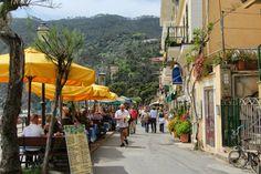 Riomaggiore, Cinque Terre, Italy   Cinque Terre 五漁村 (Monterosso, Riomaggiore) , Italy 2013 ...