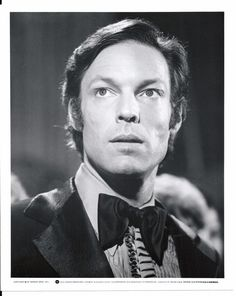 Richard Chamberlain in Towering Inferno Film Catastrophe, The Towering Inferno, Ernest Borgnine, The Thorn Birds, Disaster Movie, Richard Chamberlain, No Way Out, Scene Photo, Celebrity Photos
