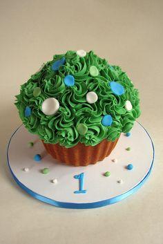 Green Giant Cupcake Smash Cake