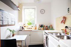 Schöne helle Küche in Hamburger Wohnung in Eimsbüttel.  #Küche #Wohnung #bright #kitchen