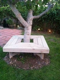 Tree bench, front yard maybe? Backyard Projects, Outdoor Projects, Garden Projects, Wood Projects, Tree Bench, Tree Seat, Bench Around Trees, Shade Trees, Shade Plants