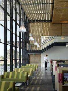 Biblioteca Craigieburn / Francis-Jones Morehen Thorp
