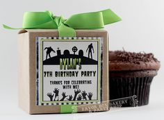 This package includes ONE DOZEN (12) ZOMBIES vs CUPCAKES CUPCAKE MIX PARTY FAVORS. What a fun treat for your party guests! Perfect for zombie themed, Walking Dead, or Halloween parties. Personalize them as you wish.    ☑ CUPCAKE MIX PARTY FAVORS INCLUDE:    • 3x3x3 natural kraft boxes    • custom/personalized labels    • coordinating ribbon in lime green (as shown), or black    • Individually packaged cupcake mixes in your choice of Chocolate, French Vanilla, Strawberry, or Vanilla Sprin...