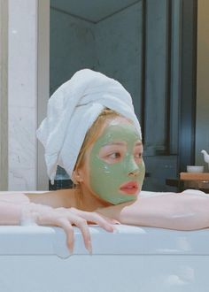 K-Beauty ahs taken the world by storm. Here are some of South Korea's top skincare exports that we can't get enough of. Top Skin Care Products, Skin Care Tips, K Beauty, Beauty Trends, Korean 10 Step Skin Care, Oil Based Cleanser, Korean Products, Korean Skincare Routine