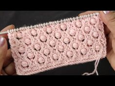 Very Easy 4 Row Pattern. Knitting Paterns, Knitting Videos, Knitting For Beginners, Knitting Stitches, Knitting Designs, Knitting Projects, Baby Layette, Crochet Handbags, Diamond Pattern