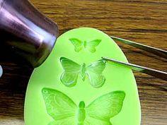 プラ板型取り技法 Plastic Resin, Uv Resin, Shrink Plastic, Handmade Home, Handmade Crafts, Diy And Crafts, Arts And Crafts, Diy Jewelry Making, Resin Crafts
