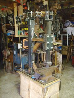 Electric Power Hammer by Bill -- Homemade power hammer fabricated from square tube and utilizing