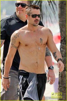 PIC: Colin Farrell Strolls Shirtless in Rio de Janeiro Colin Farrell, Adam Levine, Ryan Gosling, Christian Grey, Matt Bomer, Celebrity Workout, Hot Actors, Shirtless Men, Attractive Men