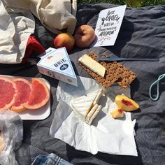 It's Picnic Season! Cute Food, I Love Food, Good Food, Yummy Food, Food N, Food And Drink, Aesthetic Food, Cravings, Food Photography