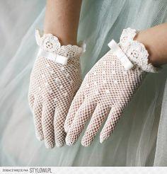 Polka dot bridal gloves for Ava Première Communion, Communion Dresses, First Communion, Lace Gloves, Crochet Gloves, Dress Gloves, White Gloves, Vintage Gloves, Vintage Lace