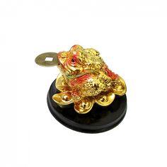 Sapo da Fortuna c/ Moeda I Ching 8 cm A013149101 BRE <br>O Sapo da Fortuna, também conhecido como Sapo de Três Pernas ou pela sua designação chinesa Chan Chu, é um dos mais significantes símbolos de riqueza e prosperidade do Feng Shui. <br>Existem vários mitos que explicam a origem deste talismã. Uma das mais interessantes é a história de Chang-O e Shen-I... <br>Utilizado para atrair dinheiro, sorte e prosperidade. Uso: É COSTUME COLOCAR UMA MOEDA EM SUA BOCA E DEIXA-LO DE FRENTE PARA PORTA…
