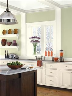 Benjamin Moore Personal Color Viewer: guilford green and mascarpone