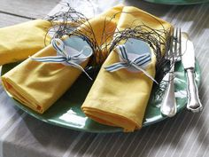 DESIGNER NAPKINS AND RINGS