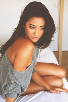 emily fields pll photos | ... little liars emily fields sexy pll shay prettylittleliarsblogfan