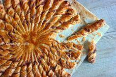 COOKING JULIA: FEUILLETÉ SOLEIL GOÛT PIZZA Gnocchi Pesto, Tapenade, Veggie Recipes, Healthy Recipes, Bread Recipes, Healthy Food, Olive Oil Bread, Party Snacks, Diy Food